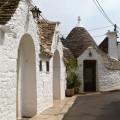 Alberobello: je těžké si představit, že tady žily desítky italských (!) rodin tak blízko sebe