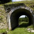 Krušné hory, zrušená trať Křimov - Marienberg: mostek přes potok nedaleko hranic