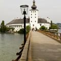 Gmunden: dřevěný most na zámecký ostrov