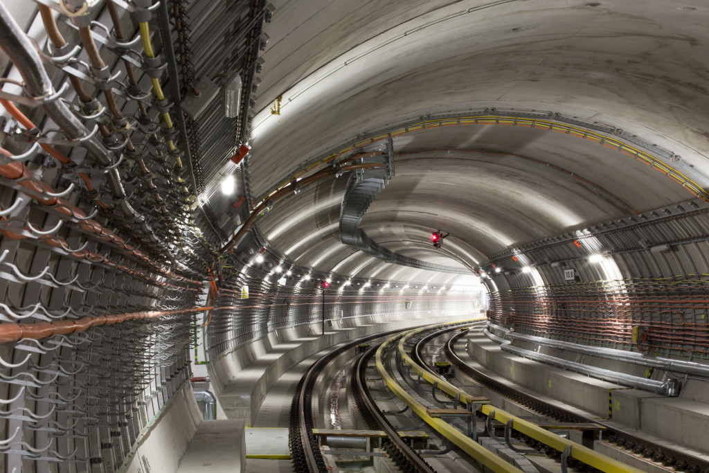 Metro V.A: traťové tunely