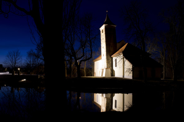 Kostel svatého Bartoloměje ve Spořicích