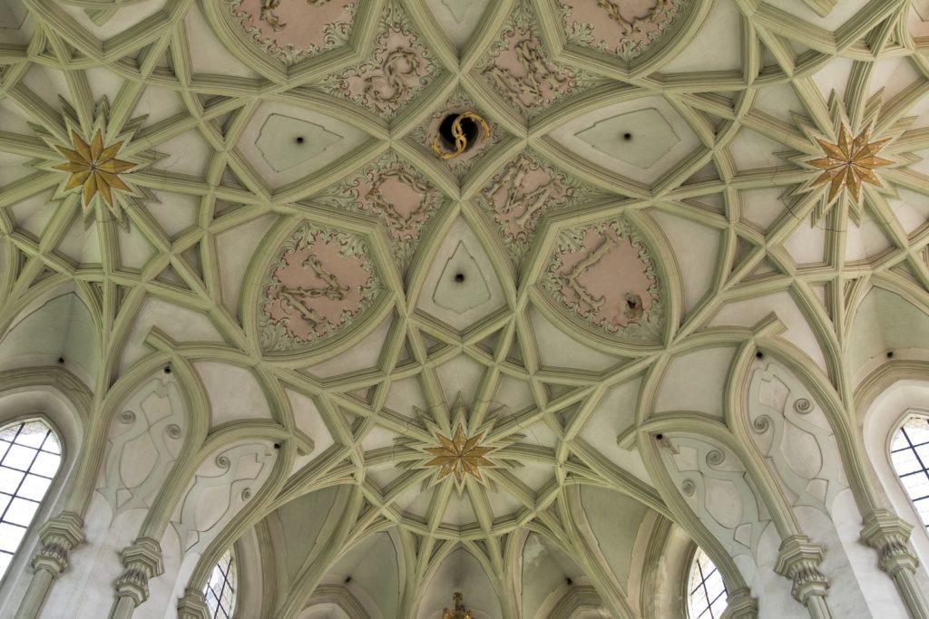 Barokní klášterní kostel Nanebevzetí Panny Marie, svatého Wolfganga a svatého Benedikta